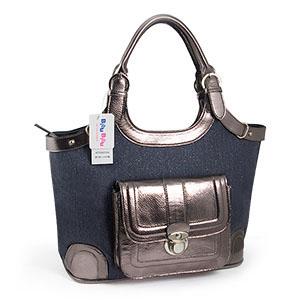 Svart väska (D4305-BK)